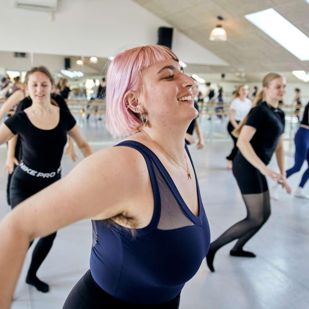 Nyhed, Højskole, Dans, Olivia, Image Article