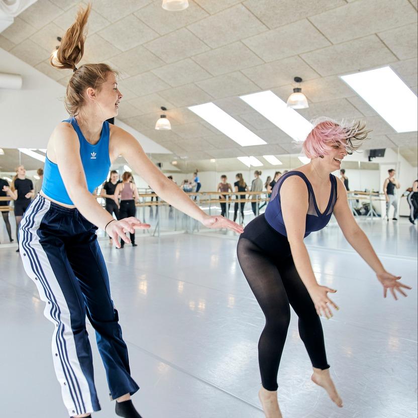 Nyhed, Højskole, Dans, Olivia, Image Article, 1