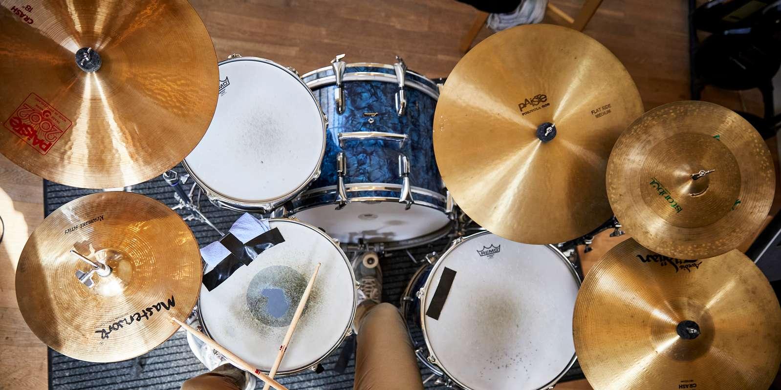 Header, Musik, Trommer