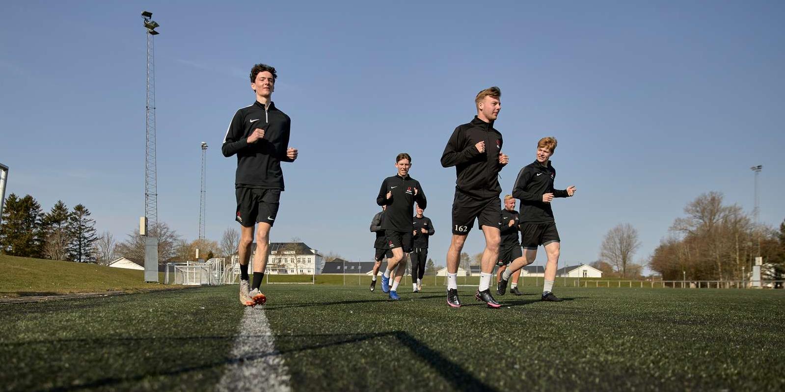 Header, Kostgymnasium, Fodbold, Fodbold for drenge