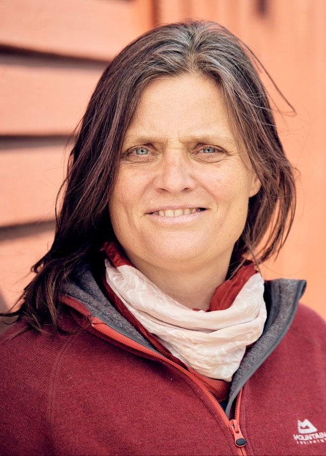 Joyce Strand, Medarbejderbillede, Cropped